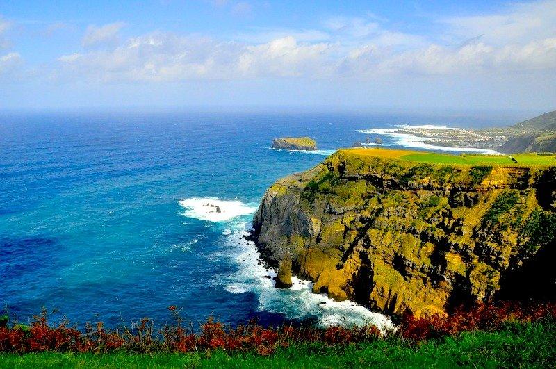 Easyjet com tarifas baratas para os Açores e Madeira