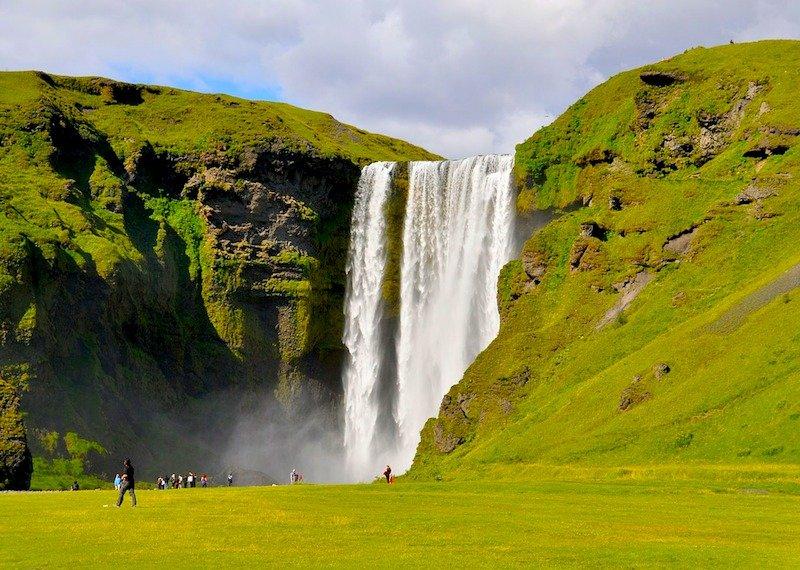 Circuito na Islândia no Verão